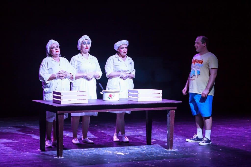 Рахим Азимов оказал содействие в проведении творческих мастерских театра на Спасской