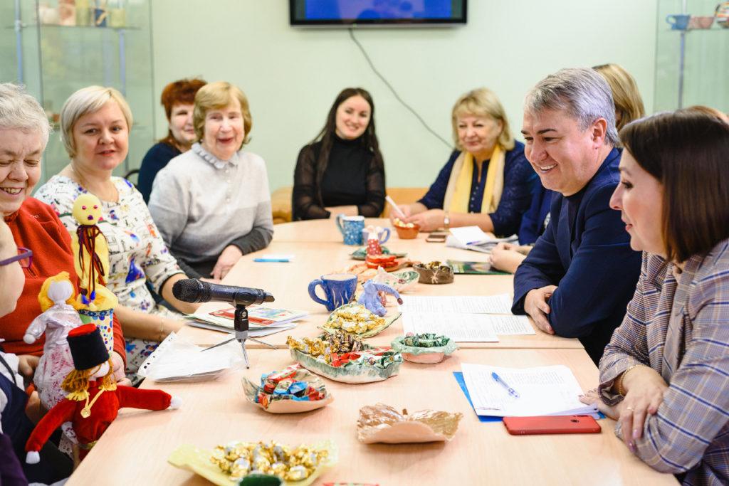 Рахим Азимов объявил о начале приема заявок на участие в грантовом конкурсе «Серебряное созвездие-2021»