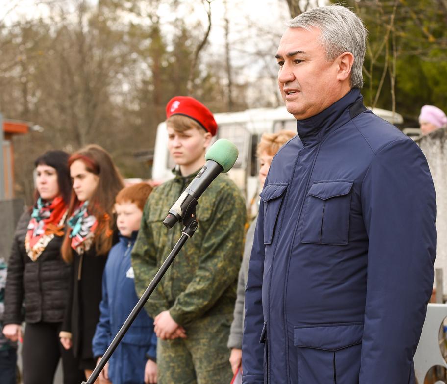 Рахим Азимов принял участие в мероприятиях, посвященных дню памяти Григория Булатова