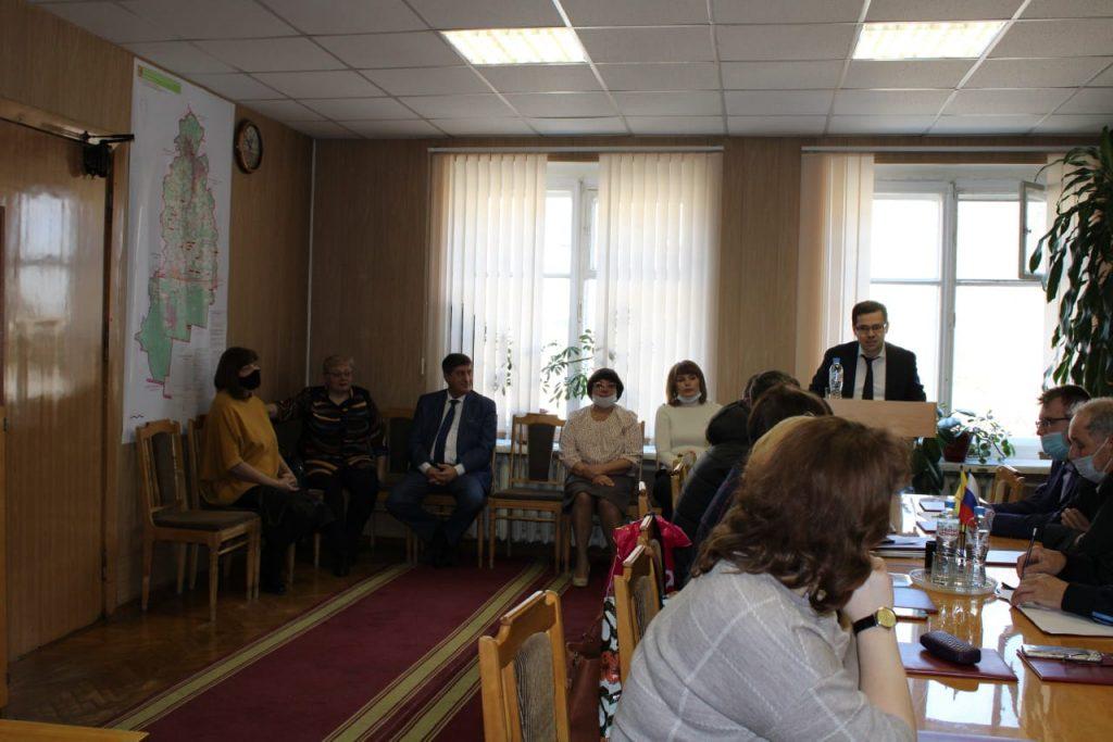 Рахим Азимов отчитался о работе перед депутатами и жителями Свечинского муниципального округа