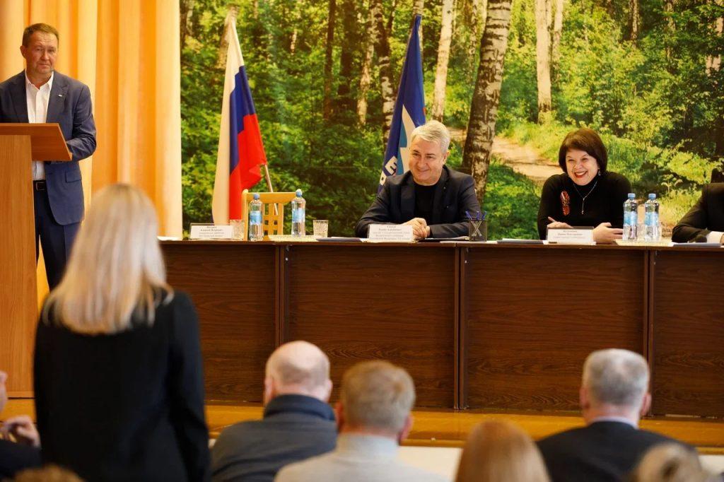 Рахим Азимов окажет содействие в реализации проектов военно-спортивного клуба «Этап» в г. Слободском