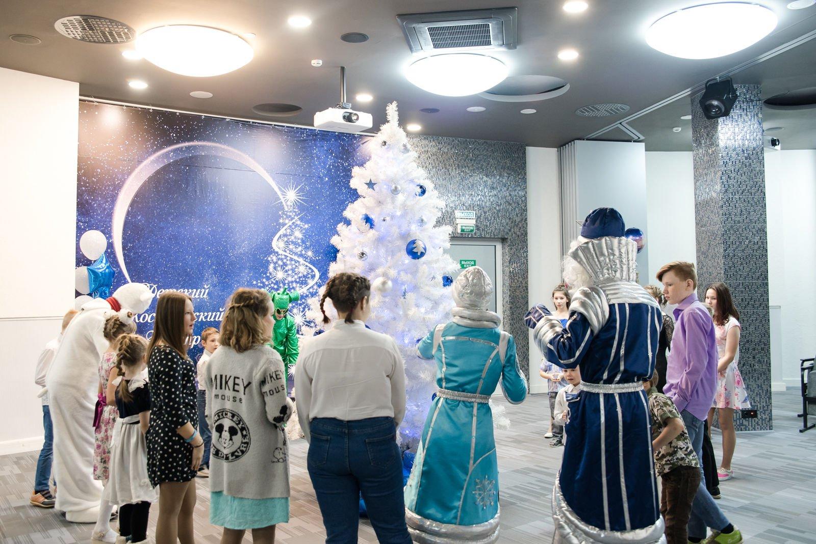 Рахим Азимов исполнит новогодние мечты детей