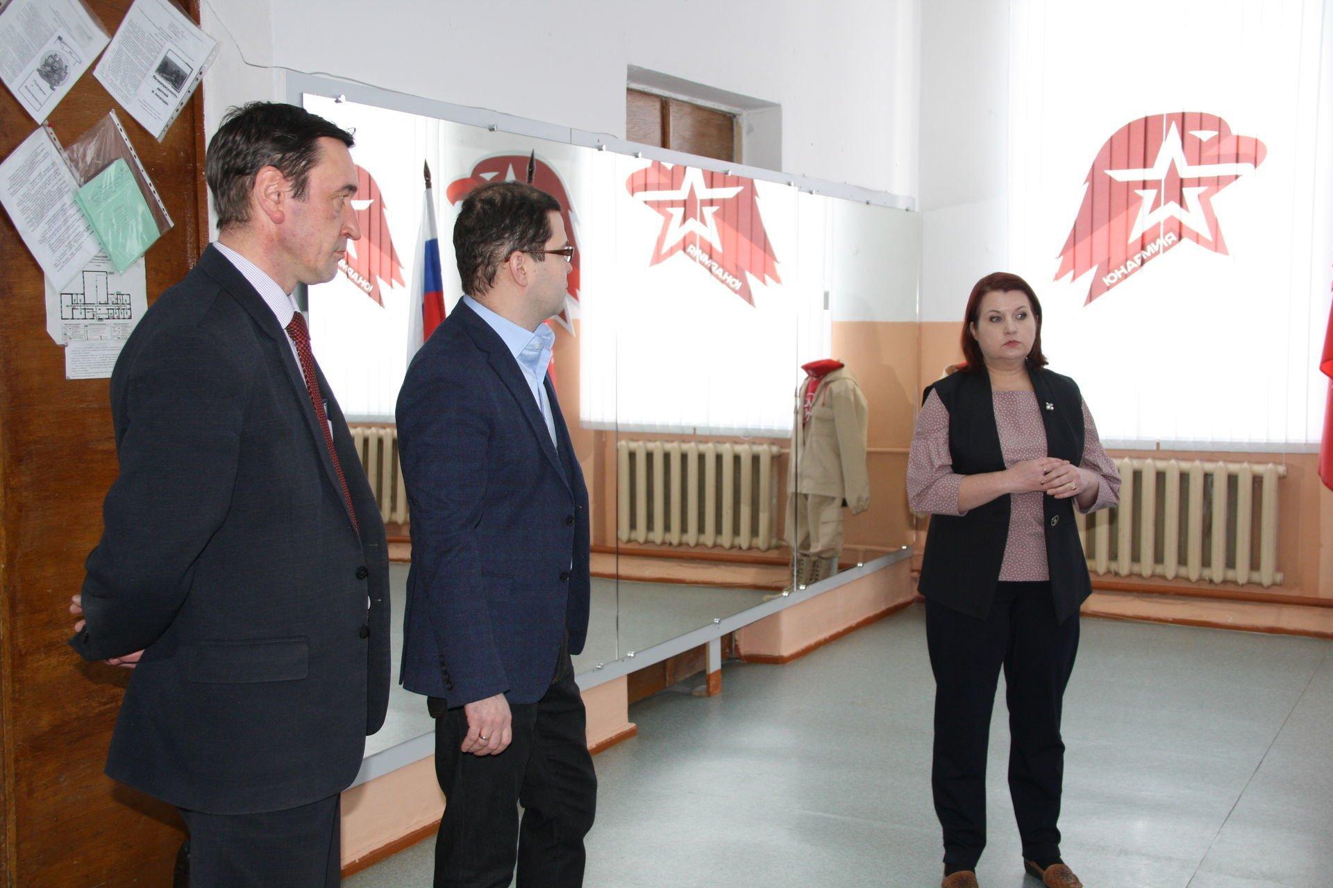Рахим Азимов подарил снегоход спортшколе Оричевского района