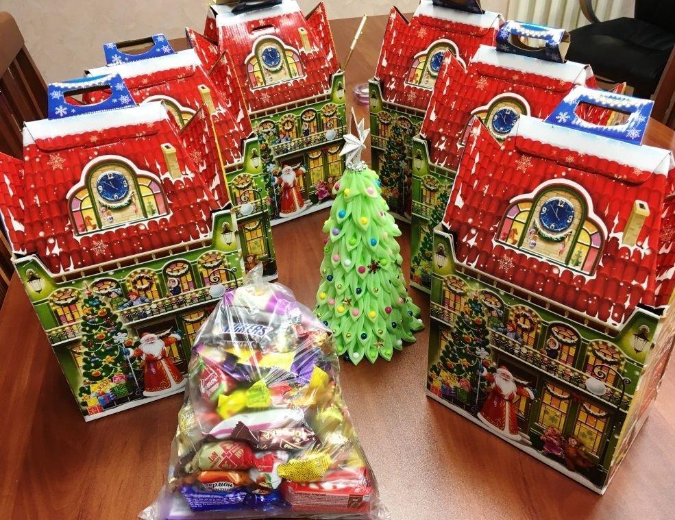Новогодние сладкие  подарки от Рахима Азимова  получат воспитанники детских домов